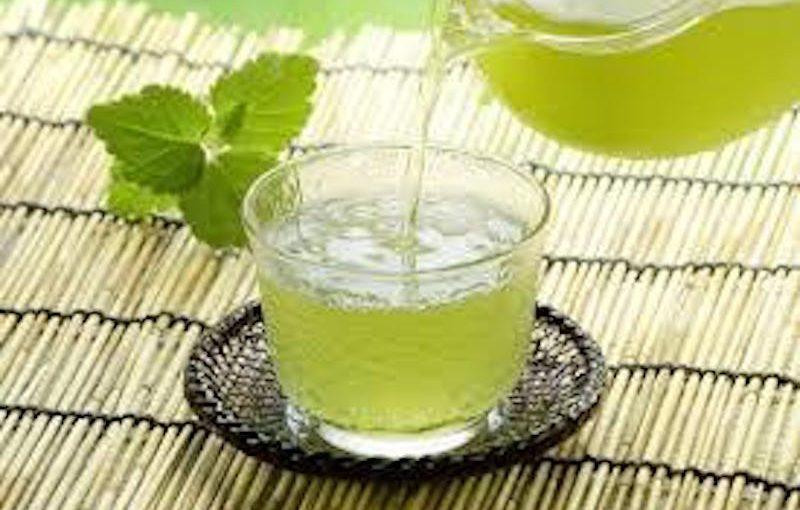 夏場にぴったり水出し緑茶!免疫力アップ・ビタミンC…おいしい入れ方